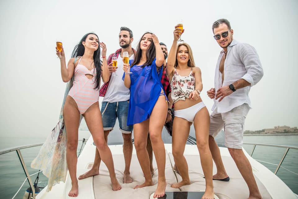 Enjoy luxurious yacht party in dubai marina.