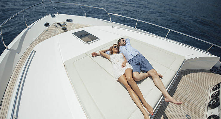 The luxury of a Yacht Charter Dubai