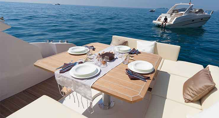 Yacht Diners in Dubai